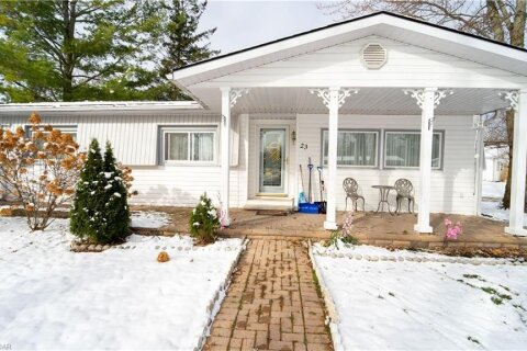 Home for sale at 23 Recreation Dr Innisfil Ontario - MLS: 40044642