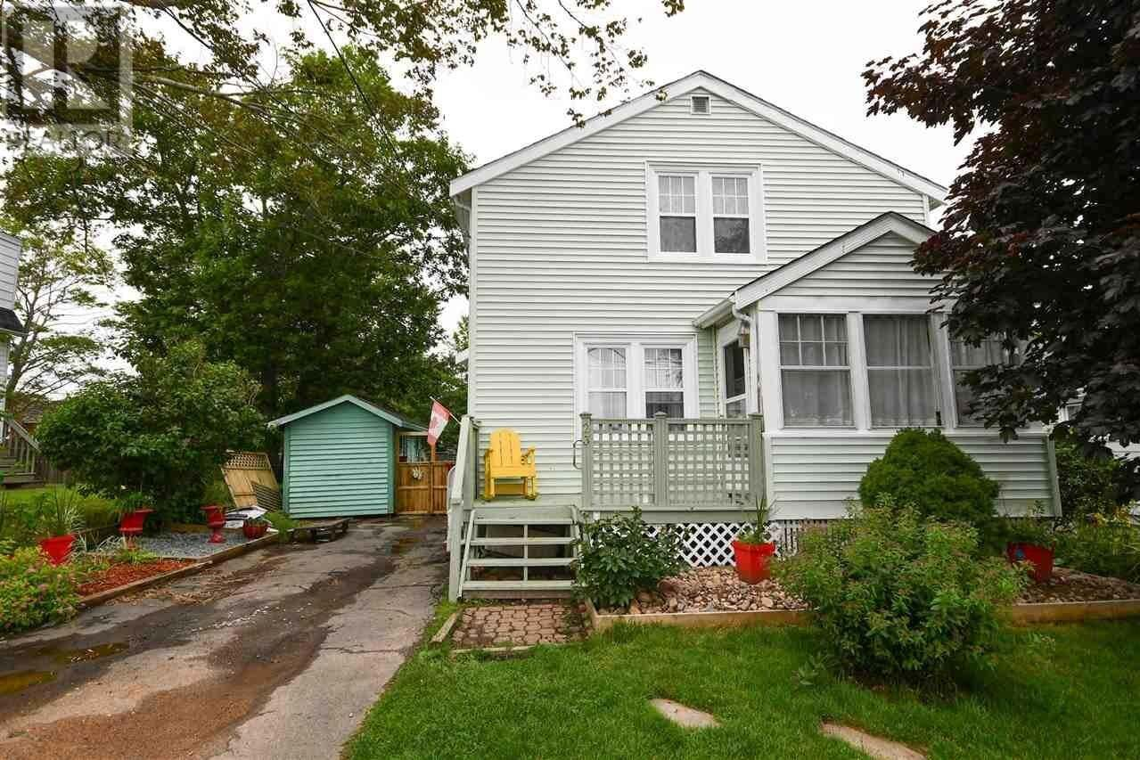 House for sale at 23 School Ave Halifax Nova Scotia - MLS: 202012600
