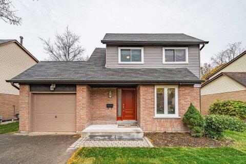 House for rent at 23 Springburn Cres Aurora Ontario - MLS: N4968839