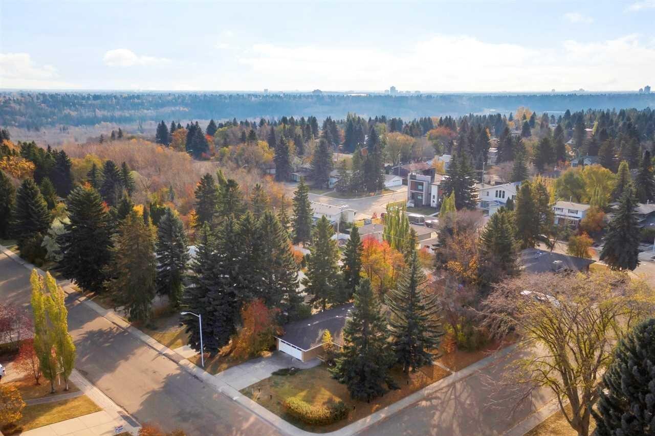 23 Valleyview Crescent NW, Edmonton | Image 2