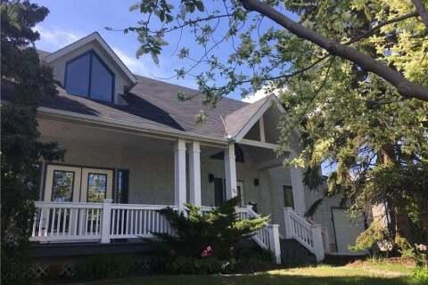 House for sale at 23 Waterloo Dr SW Calgary Alberta - MLS: C4288320