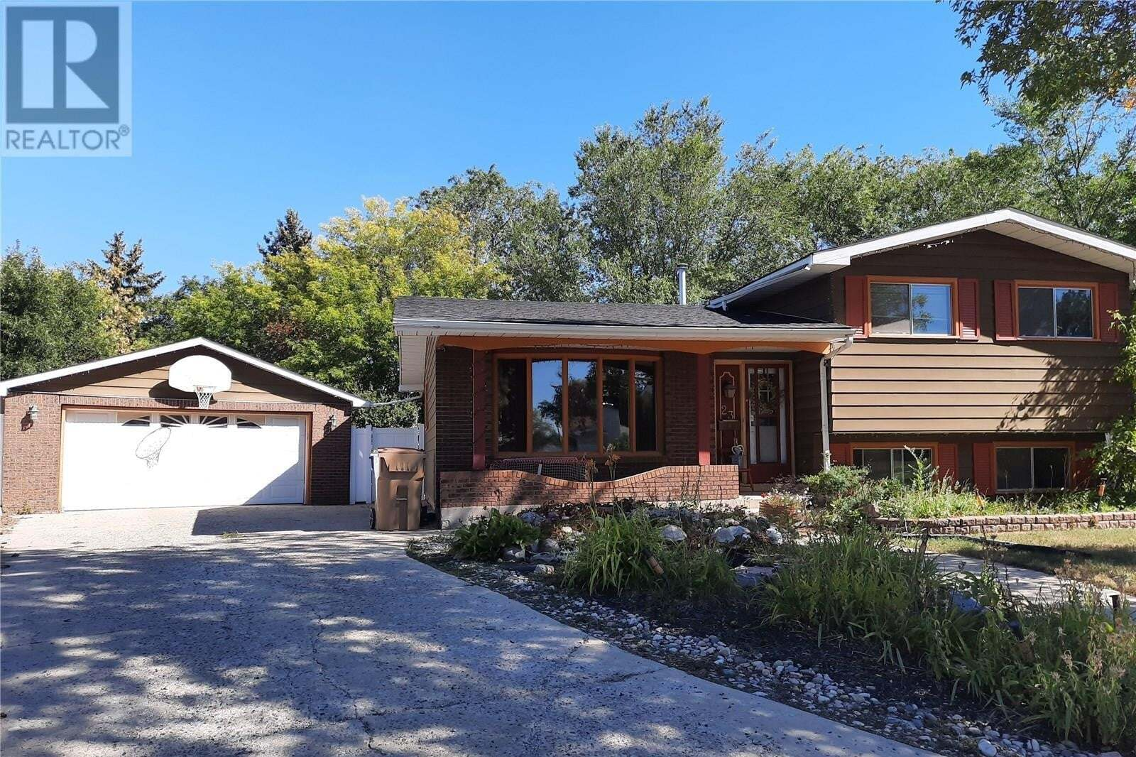 House for sale at 23 Watts By Regina Saskatchewan - MLS: SK826709