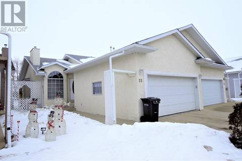 Townhouse for sale at 23 Wildrose Dr Sylvan Lake Alberta - MLS: ca0161973