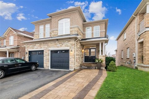 Townhouse for sale at 23 Worthview Dr Vaughan Ontario - MLS: N5003430