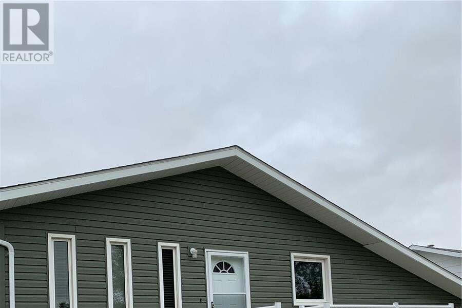 House for sale at 230 1st St NW Wadena Saskatchewan - MLS: SK824386