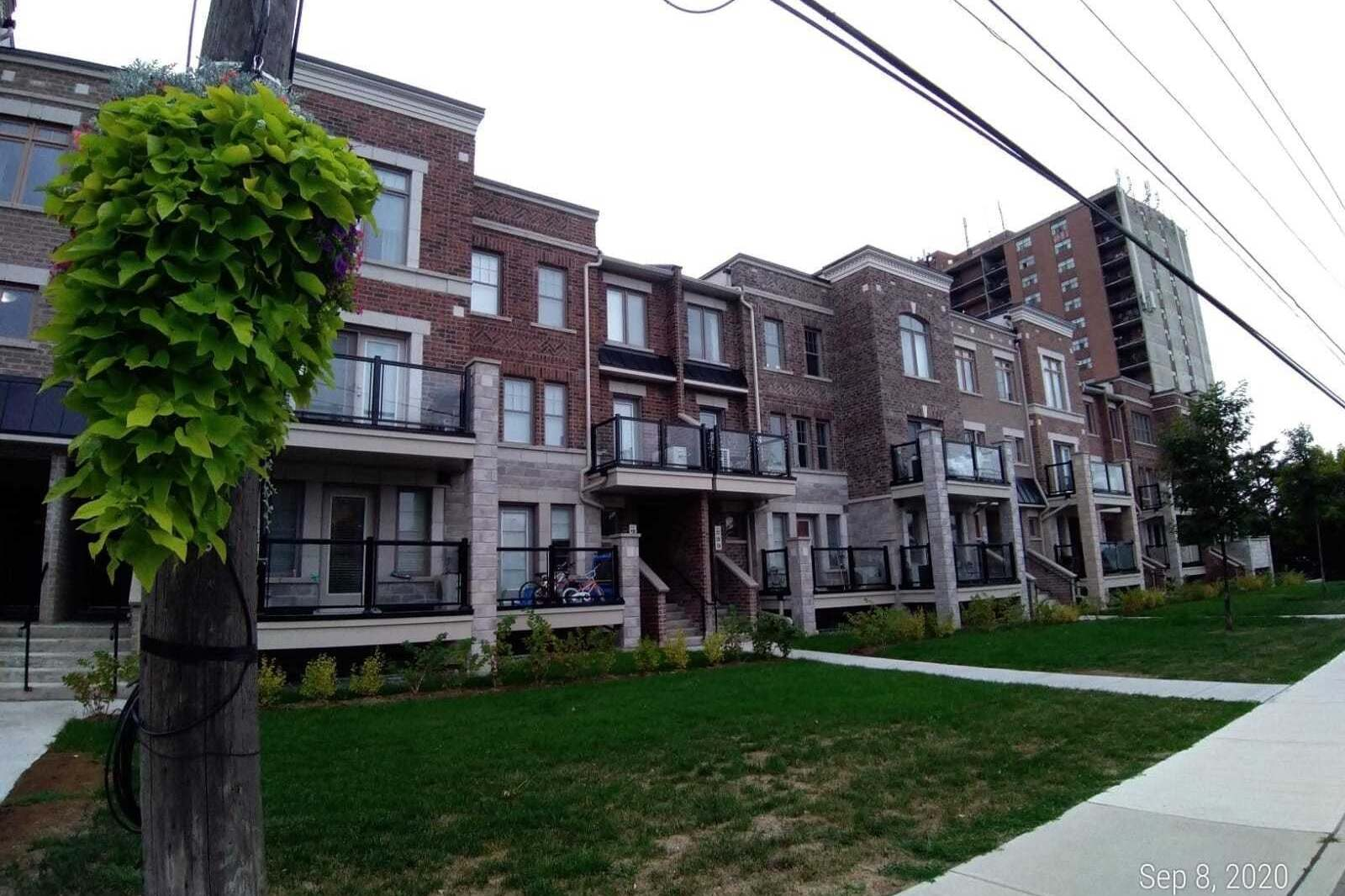 Buliding: 2355 Sheppard Avenue West, Toronto, ON