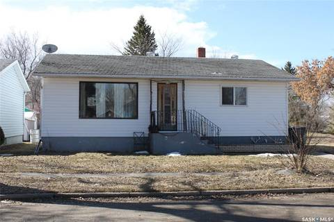 House for sale at 230 3rd Ave W Canora Saskatchewan - MLS: SK807925