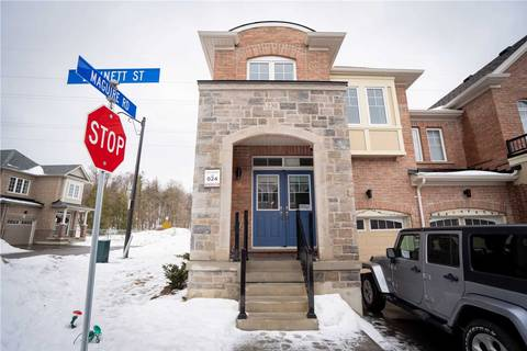 Townhouse for rent at 230 Bennett St Newmarket Ontario - MLS: N4695462