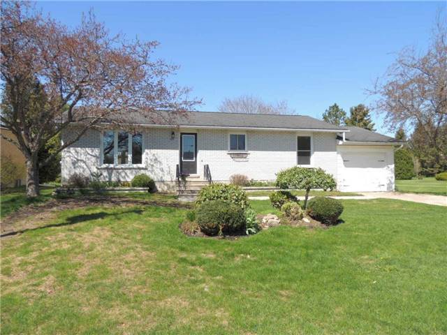 For Sale: 230 Centre Street, Meaford, ON   3 Bed, 3 Bath House for $499,000. See 20 photos!