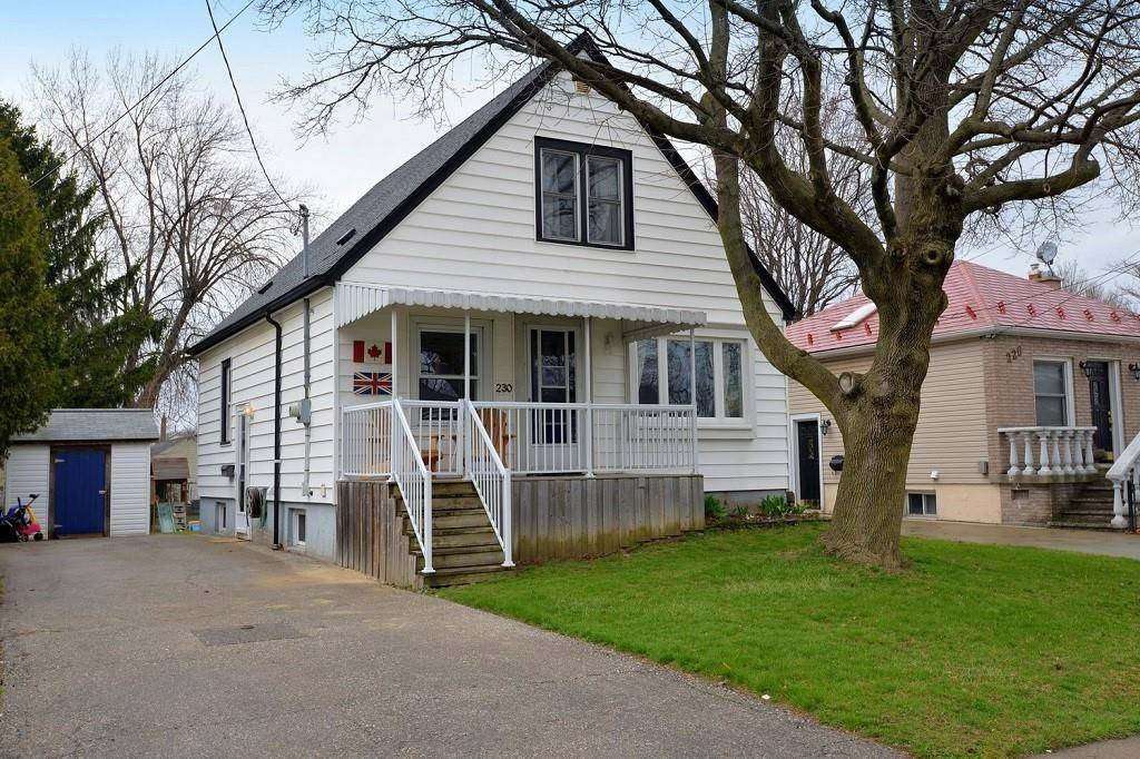 House for sale at 230 26th St East Hamilton Ontario - MLS: H4076215