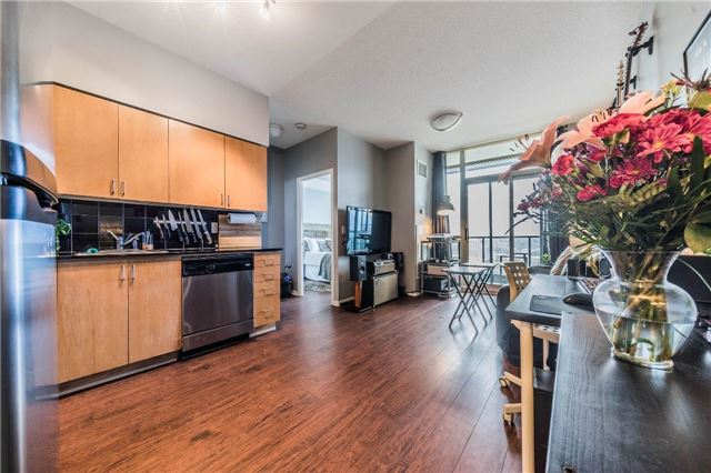 For Sale: 2305 - 231 Fort York Boulevard, Toronto, ON   1 Bed, 1 Bath Condo for $450,000. See 14 photos!