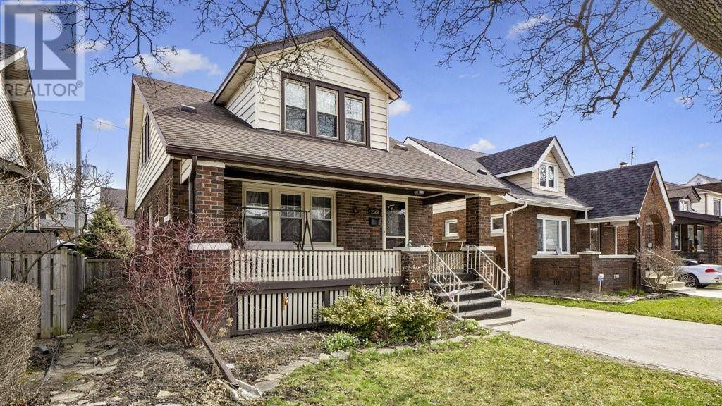 House for sale at 2308 Windermere  Windsor Ontario - MLS: 20003378
