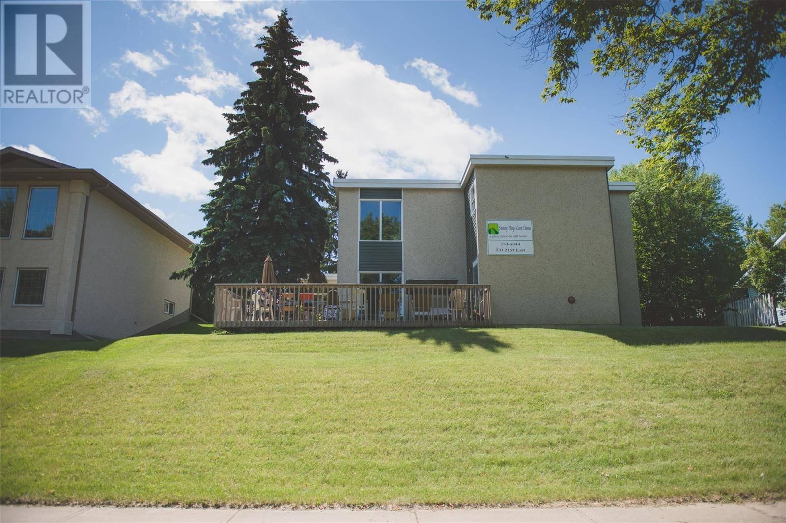 House for sale at 231 21st St E Prince Albert Saskatchewan - MLS: SK758793