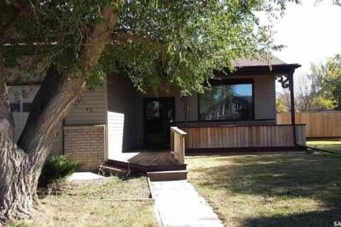 House for sale at 231 8th St W Leader Saskatchewan - MLS: SK799493
