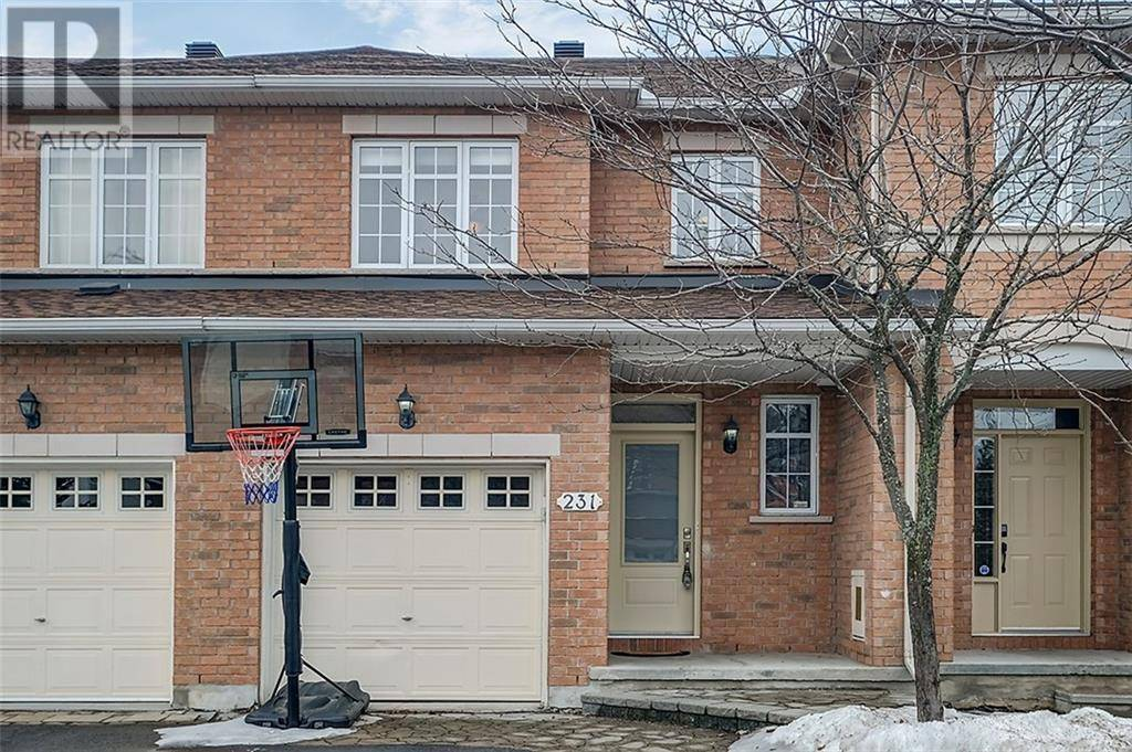Townhouse for sale at 231 Duntroon Circ Ottawa Ontario - MLS: 1187570