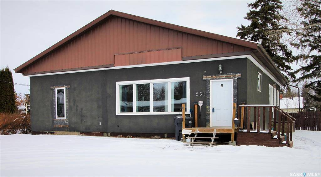 House for sale at 231 Fourth Ave N Yorkton Saskatchewan - MLS: SK775739