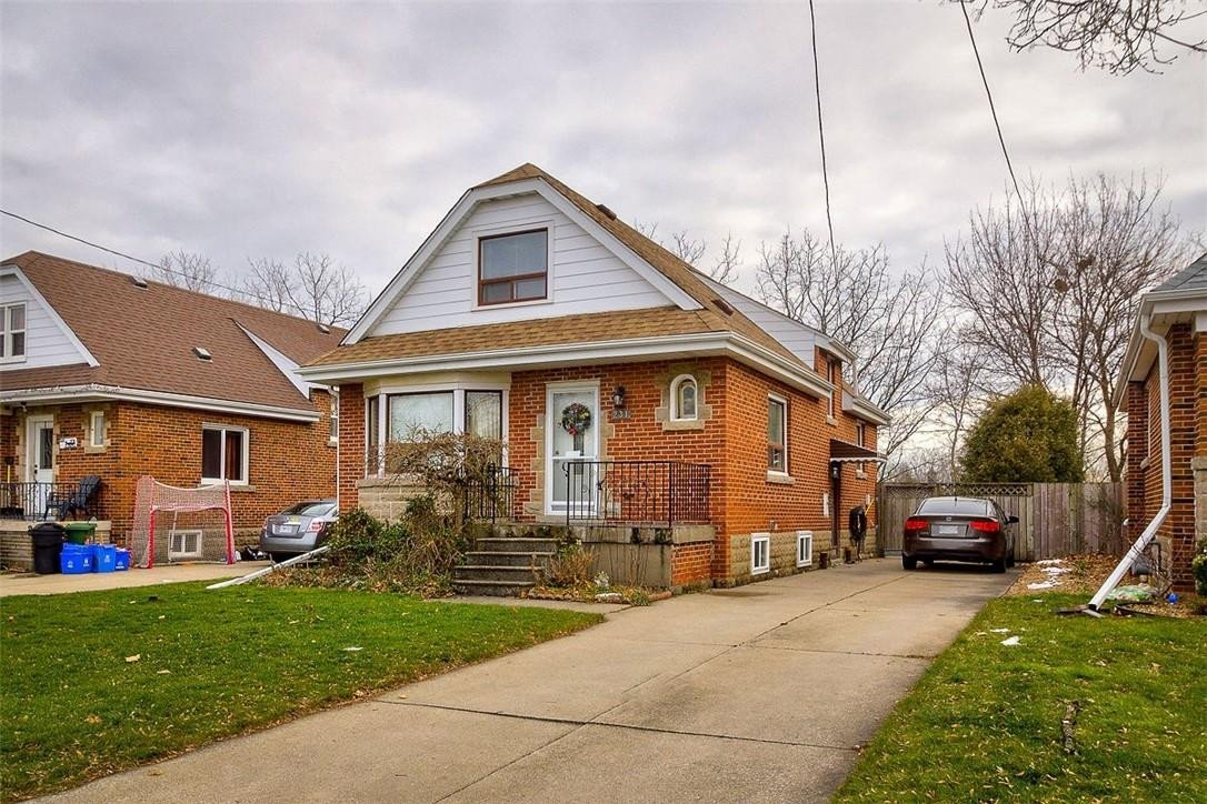 House for sale at 231 Glencarry Ave Hamilton Ontario - MLS: H4095282