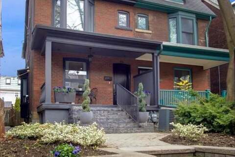 Townhouse for rent at 231 Grace St Toronto Ontario - MLS: C4814985