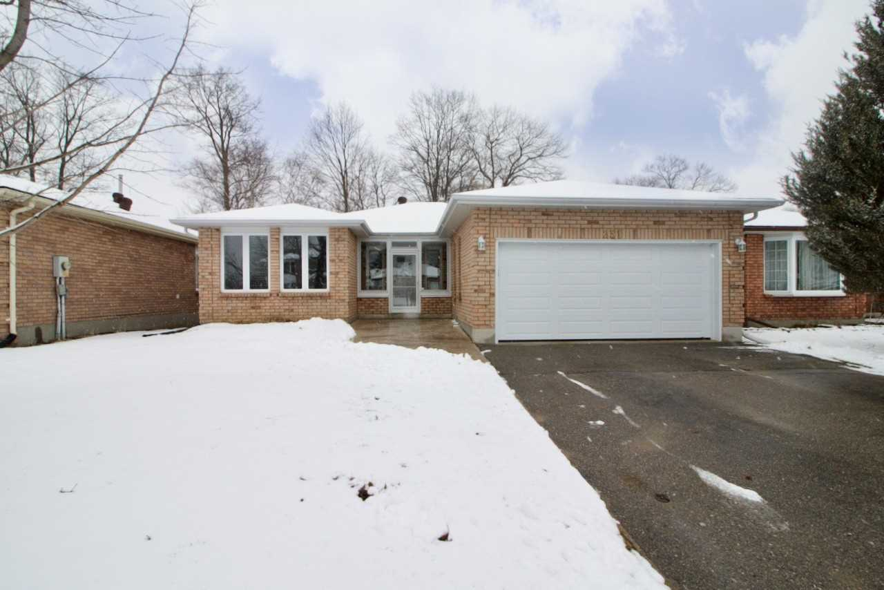 For Sale: 231 Margaret Street, Midland, ON | 3 Bed, 3 Bath House for $529900.00. See 18 photos!
