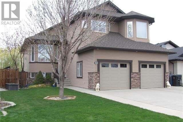House for sale at 231 Mt Sunburst Pl West Lethbridge Alberta - MLS: LD0191943