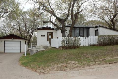 House for sale at 231 Nicoll Ave Regina Beach Saskatchewan - MLS: SK784291