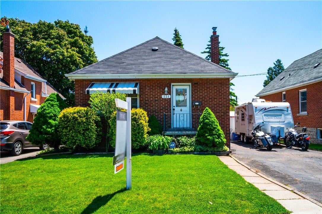House for sale at 231 Rosewood Rd Hamilton Ontario - MLS: H4079099