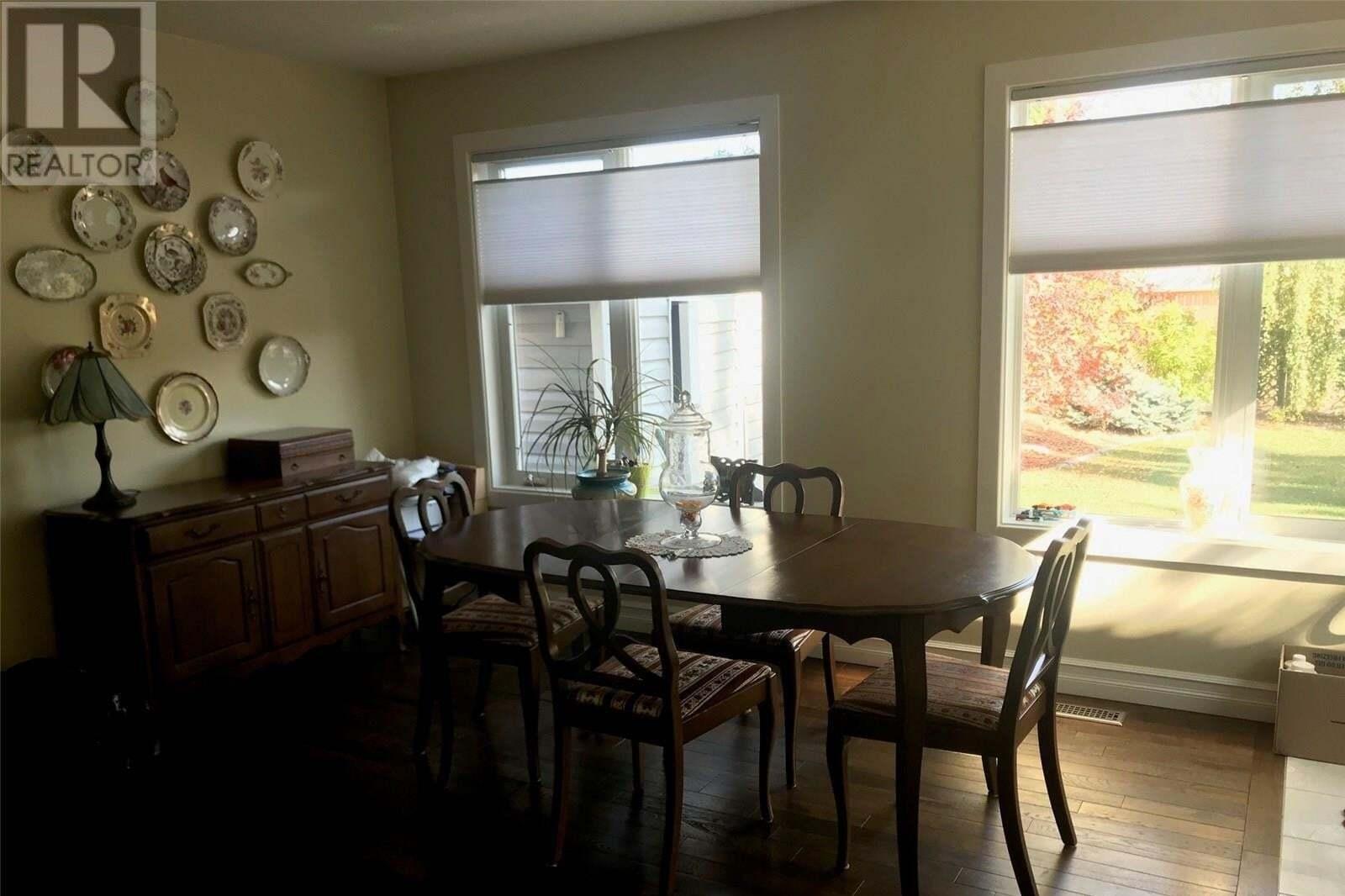 House for sale at 2310 Henderson Dr North Battleford Saskatchewan - MLS: SK828225