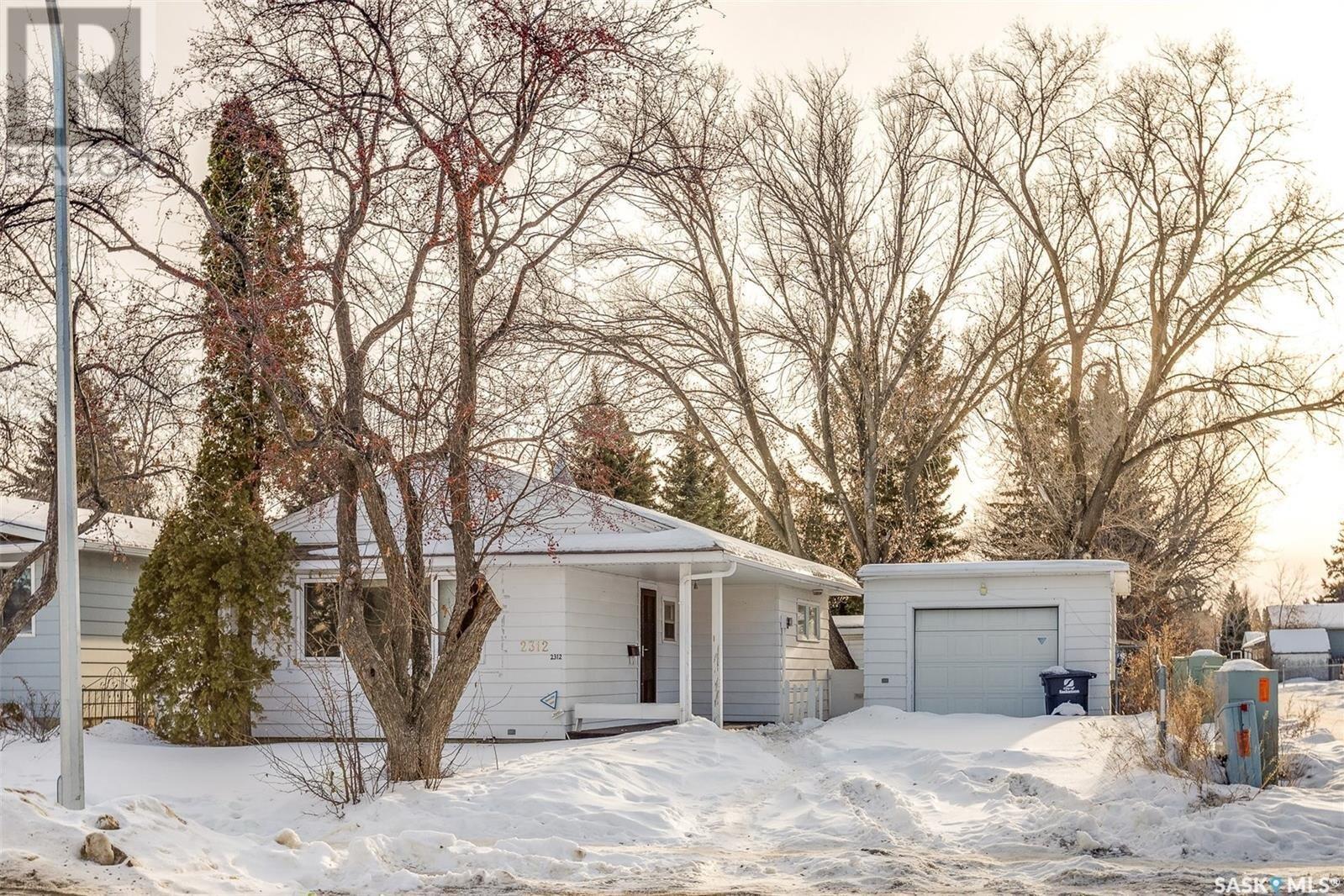 House for sale at 2312 7th St E Saskatoon Saskatchewan - MLS: SK839428