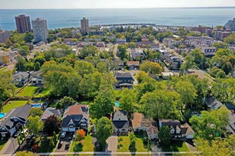 House for sale at 2314 Belyea St Oakville Ontario - MLS: W4918778