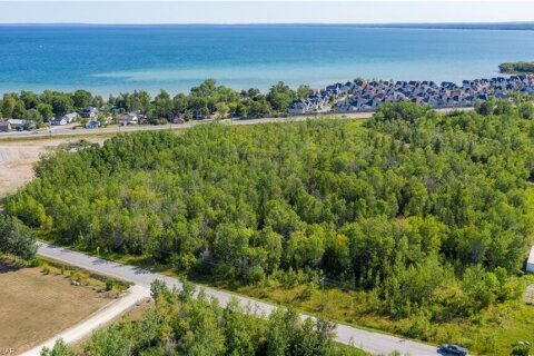 Residential property for sale at 2315 Fairgrounds Rd Wasaga Beach Ontario - MLS: 273307