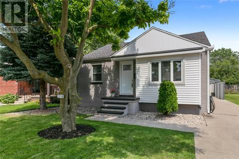 House for sale at 2316 Parkwood Ave Windsor Ontario - MLS: 19021616