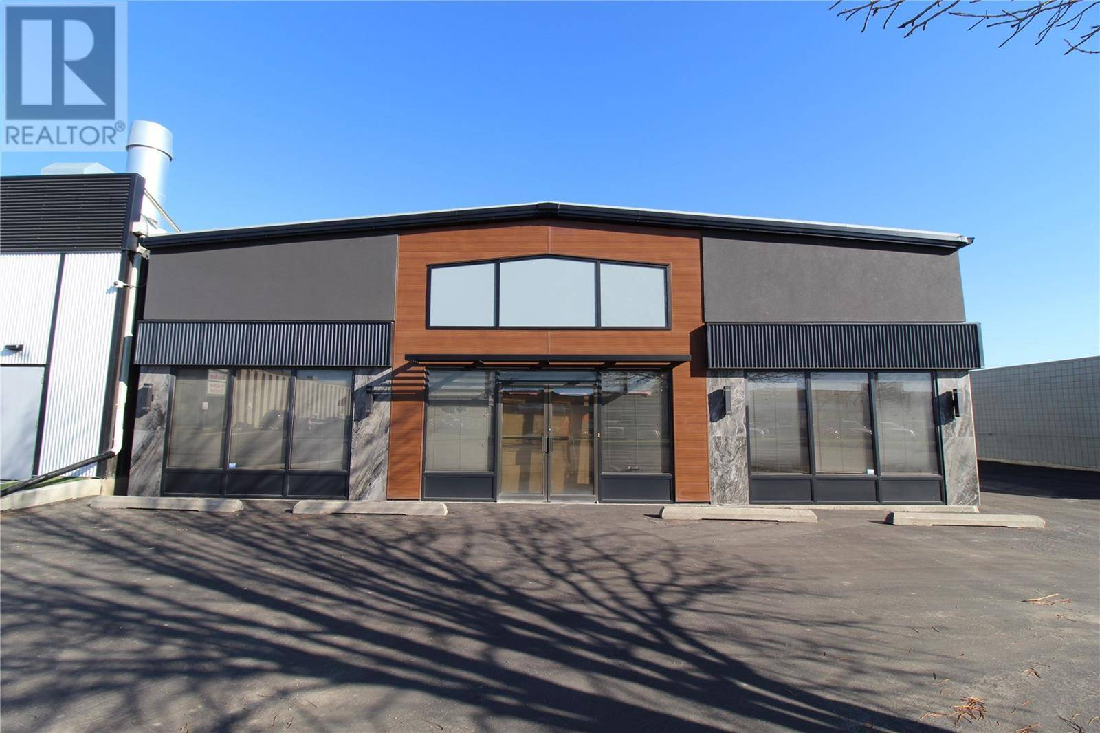 Commercial property for lease at 2318 C Ave N Saskatoon Saskatchewan - MLS: SK789818
