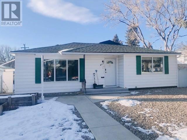 House for sale at 232 19 St N Lethbridge Alberta - MLS: ld0184949