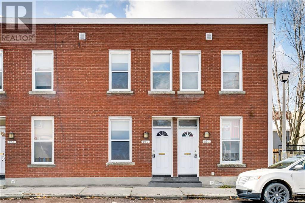Townhouse for rent at 232 Cumberland St Ottawa Ontario - MLS: 1173282