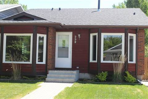 House for sale at 232 Deersaxon Circ Southeast Calgary Alberta - MLS: C4252899