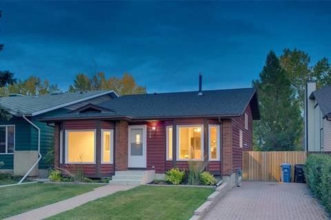 House for sale at 232 Deersaxon Circ Southeast Calgary Alberta - MLS: C4268407