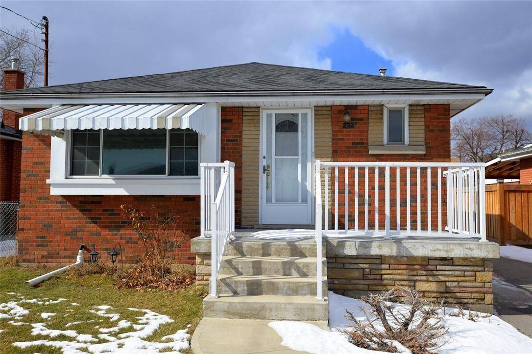 House for sale at 232 44th St East Hamilton Ontario - MLS: H4073024
