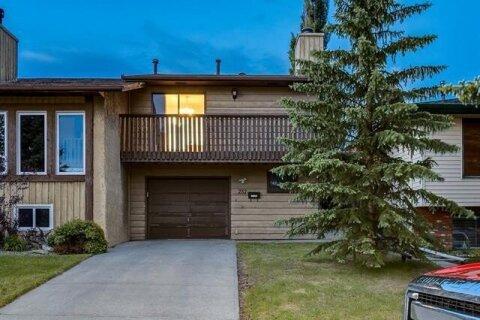 Townhouse for sale at 232 Maunsell Cs NE Calgary Alberta - MLS: C4302894
