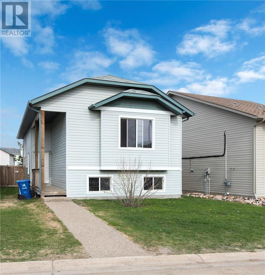 For Sale: 232 Paris Crescent, Fort Mcmurray, AB | 6 Bed, 3 Bath House for $469,900. See 18 photos!