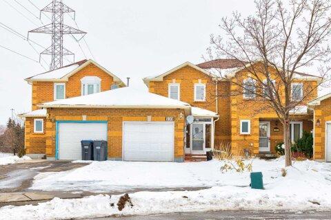 Townhouse for sale at 232 Timberlane Dr Brampton Ontario - MLS: W4979775