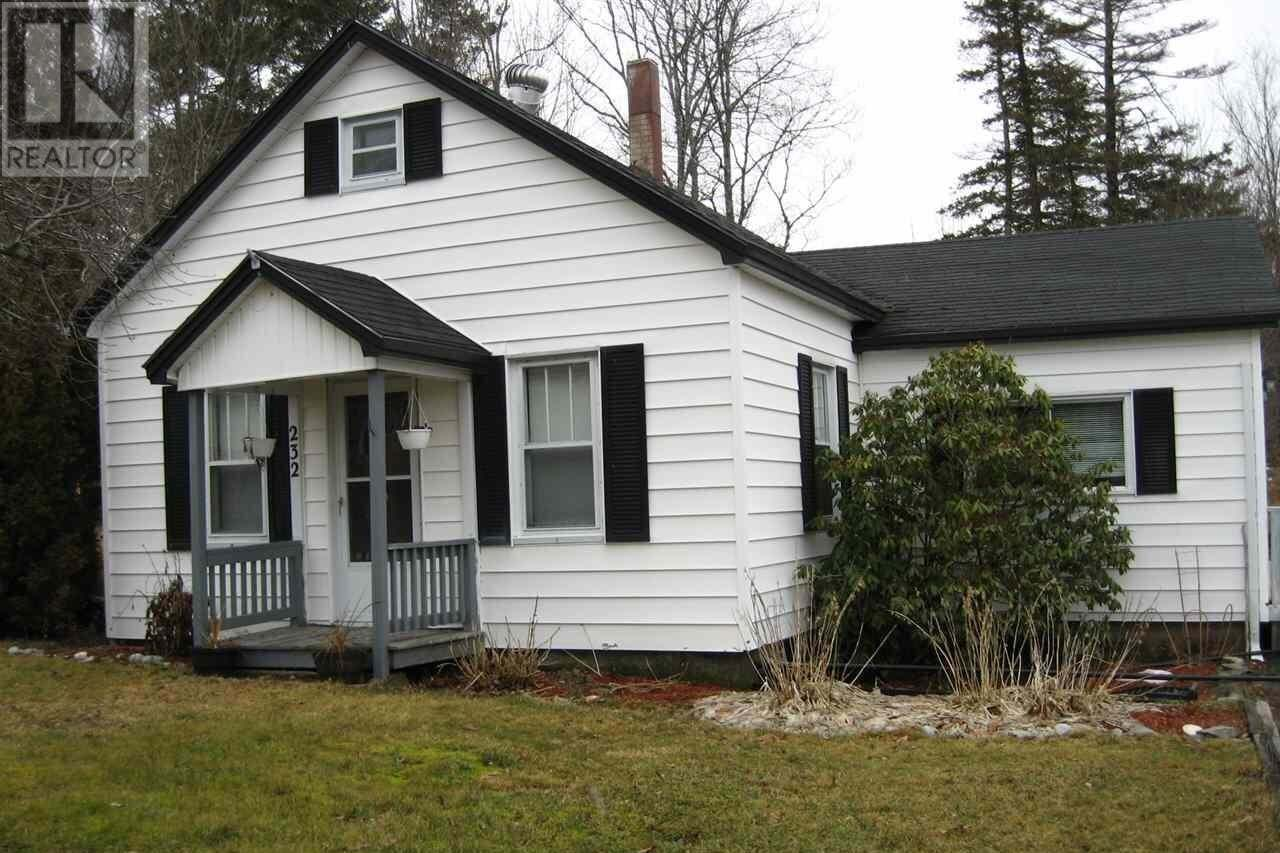 House for sale at 232 White Point Rd Liverpool Nova Scotia - MLS: 202002934