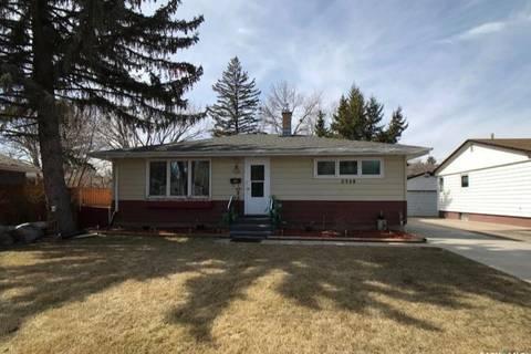 House for sale at 2328 Grant Rd Regina Saskatchewan - MLS: SK803689