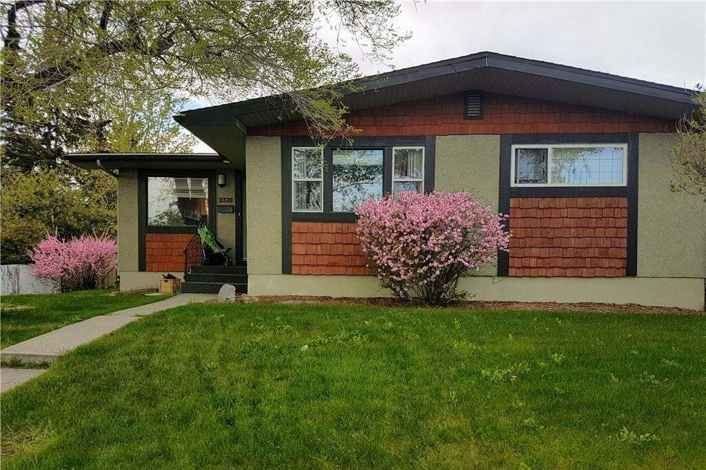 House for sale at 2328 Langriville Dr SW North Glenmore Park, Calgary Alberta - MLS: C4293440
