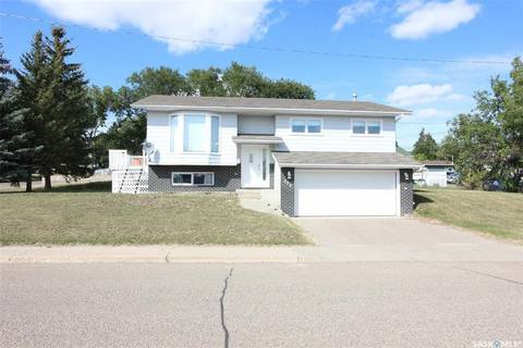 House for sale at 233 Lorne St W Swift Current Saskatchewan - MLS: SK785490