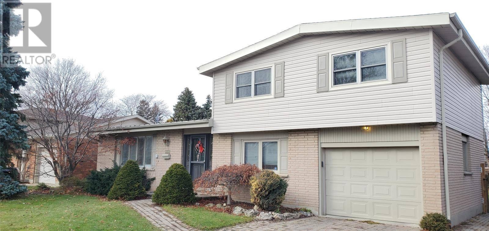 House for sale at 233 Tweedsmuir Ave West Chatham Ontario - MLS: 19028990
