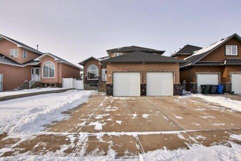 House for sale at 233 Vista Cs SE Medicine Hat Alberta - MLS: A1055966