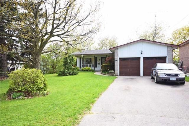 For Sale: 2330 Edenhurst Drive, Mississauga, ON | 3 Bath Property for $1,085,000. See 20 photos!