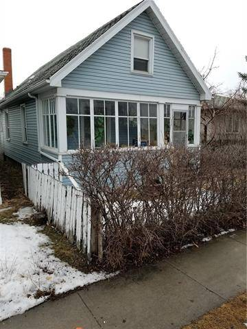 House for sale at 2333 5 Ave Northwest Calgary Alberta - MLS: C4236734