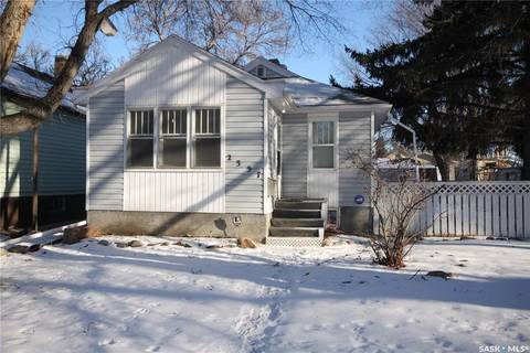House for sale at 2337 Atkinson St Regina Saskatchewan - MLS: SK796454