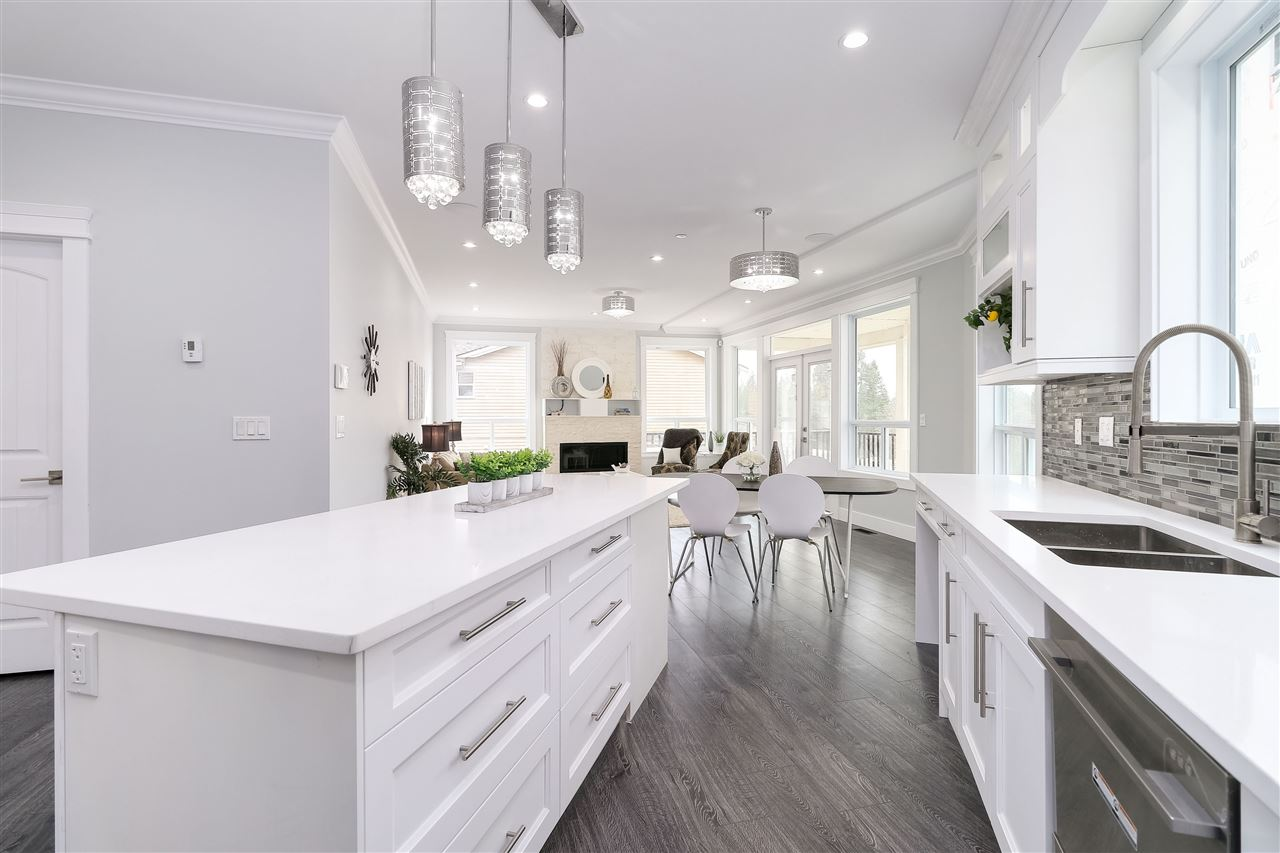 For Sale: 23395 Cross Road, Maple Ridge, BC   4 Bed, 4 Bath House for $999,000. See 20 photos!